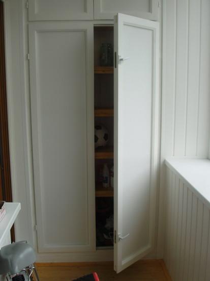 Балконные шкафы и тумбочки.